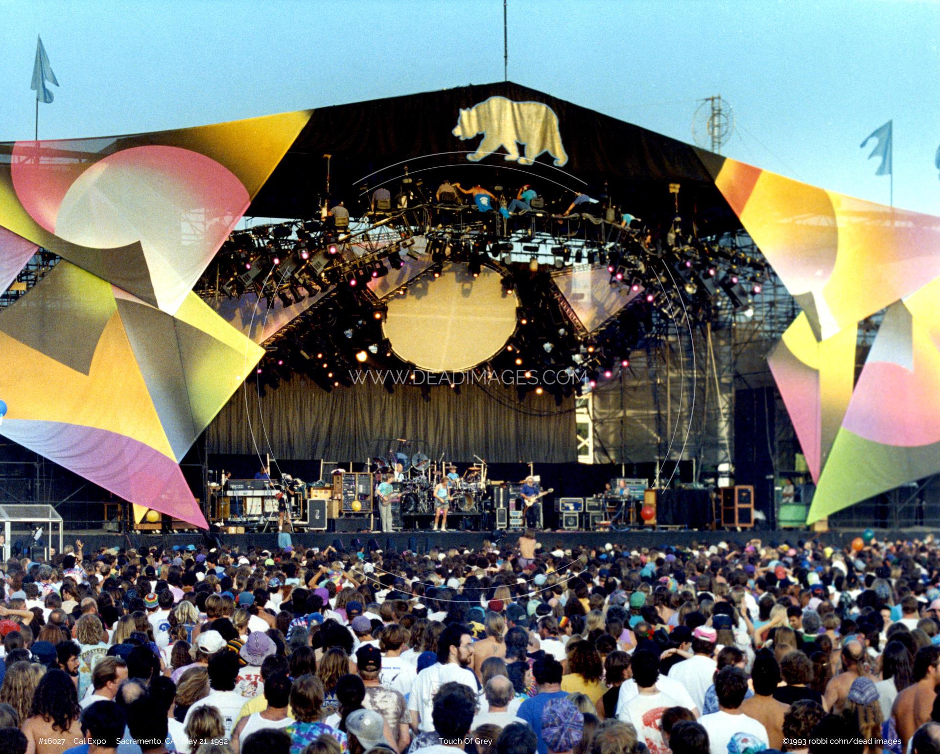 Grateful Dead - May 21, 1992 - Sacramento, CA | Dead Images